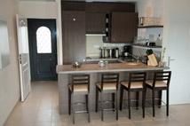 Cuisine r sidence la cerisaie saulx les chartreux - Fabriquer une table bar de cuisine ...